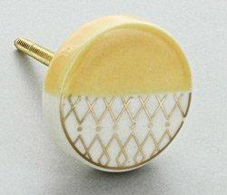 Yellow-ceramic-knob